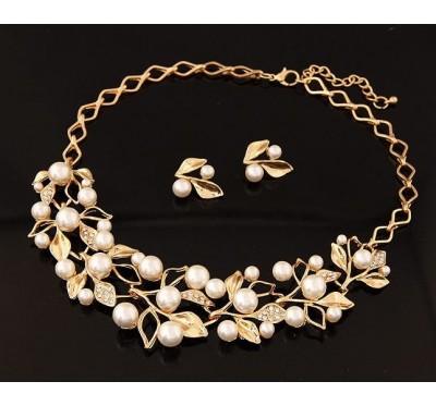 "Papuošalų komplektas ""Vintage pearls"""