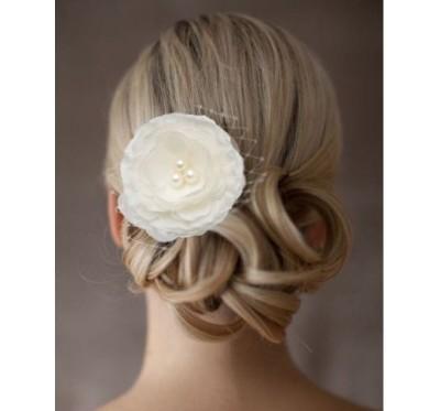 """Vestuvinis plaukų aksesuaras """"Silky flower"""""""