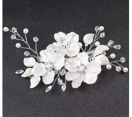 "Vestuvinė plaukų sagė ""Pearl flower"""