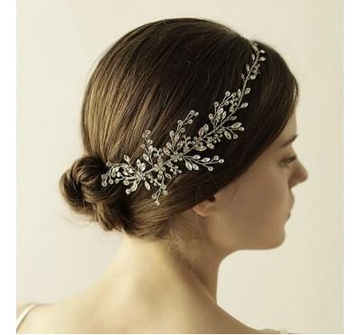 """Nuotakos plaukų aksesuaras """"Mini silver flower tiara"""""""