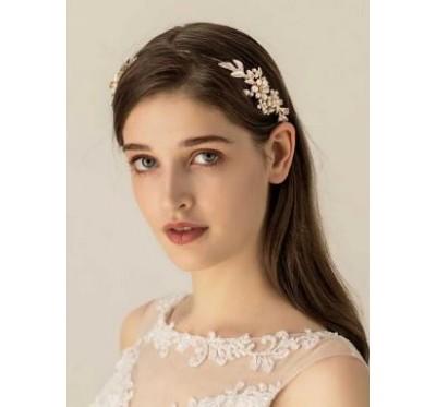 """Nuotakos plaukų aksesuaras """"Golden pearl flower tiara"""""""