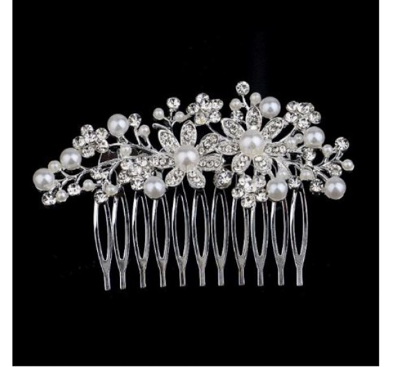 """Nuotakos plaukų aksesuaras """"Pearl crystal flower """""""